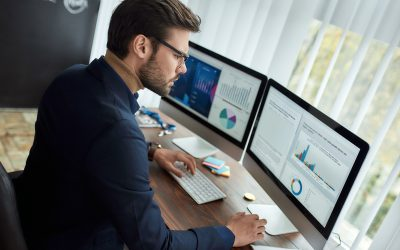 5 Ways That Using a Two-Monitor Setup Can Benefit Your Small Business